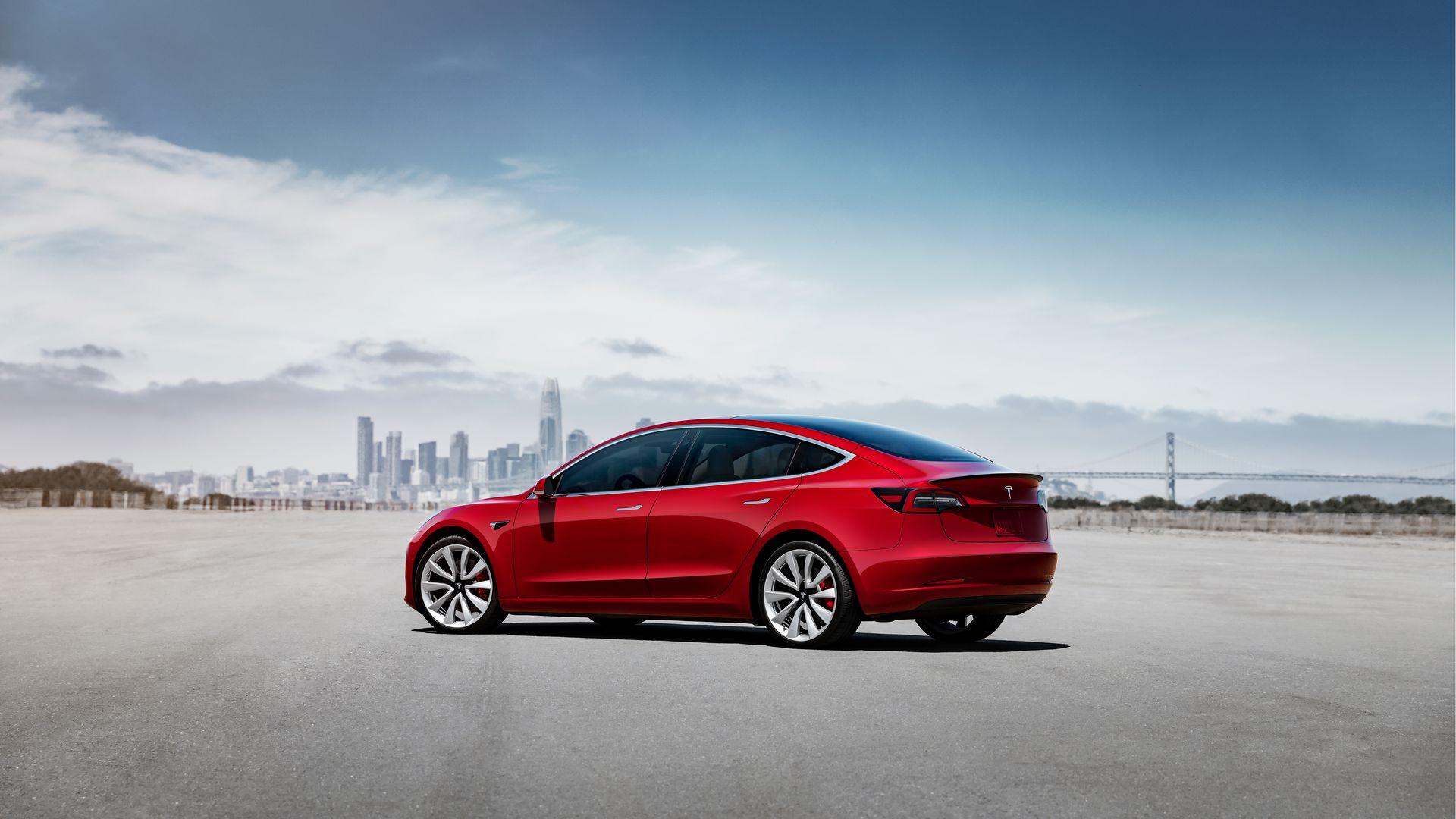 Tesla представит Model 3 в Европе.
